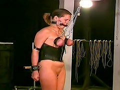 Mazmorra - Gagged and tied girl in dungeon