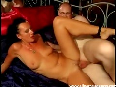 Milf with pierced clit laid