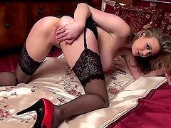 Sapphire shows off her body in her sexy stockings