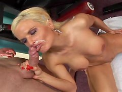 Busty blond Victoria Rush likes muscled dudes