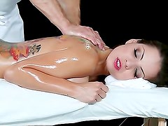 Fucking oiled up hottie Yurizan Beltran
