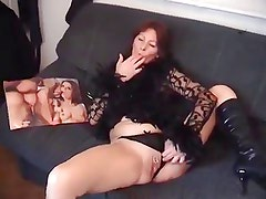 Older Mature Slut Spreads Pussy Gets Fucked