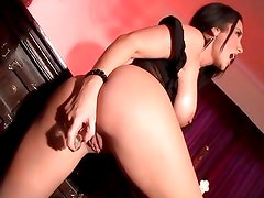 Raunchy Jayden James loves toying her tight asshole