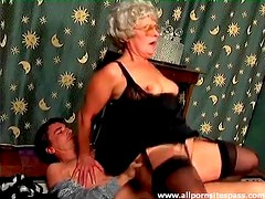 Granny in glasses and lingerie laid in the vagina