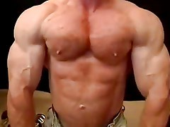 Muscle Hunk Tom Lord Shows Off His Muscles And Cums Hard