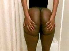 clapping big black ass