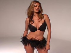 Luxurious Tera Patrick poses on camera in sexy black lingerie