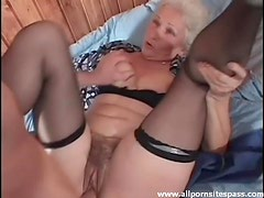 Seduction of a mature ends in hardcore fuck