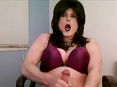 brunette crossdresser jerk off
