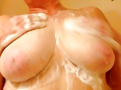 Mature BBW Amateur Wife Washes Her Big Natural Tits
