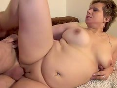Chubby mature with tigth pussy lips laid