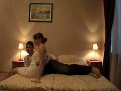 Around the bed his girlfriend gets fucked