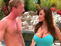 Busty slut Lisa Ann seduces him outdoors