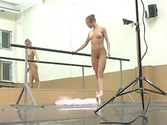 Ballerina onn her toes with no clothes on