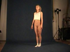 Teen dancer shows her skinny body in photo studio
