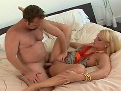 Car cocksucker wants to get laid lustily