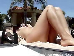 Hot Legs Gets Her Pussy Eaten Outdoors