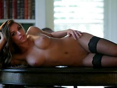 Sandra Michelle Gives Us A Kinky Little Interview