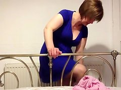BLACKPOOL WIFE STRIPPING NAKED FOR YOU