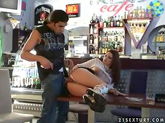 Hot waitress Daisy can do anything for tips