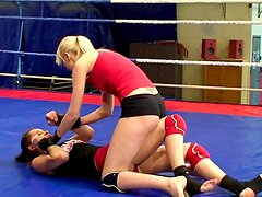 Wrestling chicks Alexa Wild and Ashley going crazy!