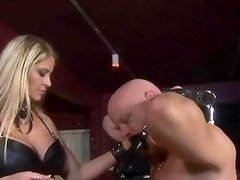 Babe gets asshole screwed