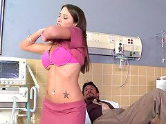 Lizz Tayler is making blowjob to that doctor