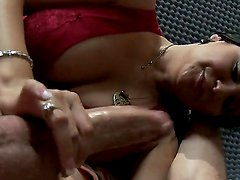 Gorgeous brunette milf Sophia Lomeli can