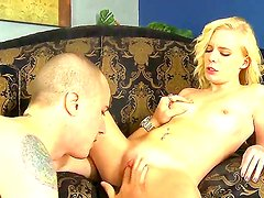 Danny Mountain tastes sweet pussy of