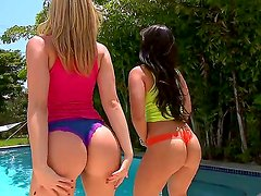 Hot babes Alexis Texas and Liz are having a great softcore while at the pool