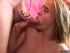 Candy Heartazz the lustful granny having rough sex