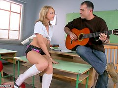 Slutty Nataly Von Rides He Music Teaher In Class