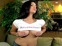 Sunny Leone lifts her tee