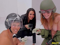 Moneytalks bring you another great video featuring real amateurs doing