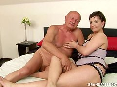 Kinky mature lady Malacka loves that old cock