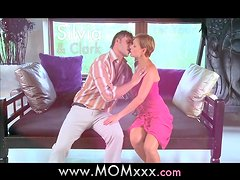 MOM Hot mature MILF loves being romanced to orgasm