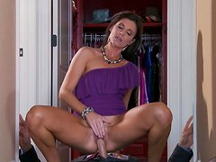Tanned babe India Summer is sucking dick of Johnny Sins