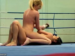 Nude hotties Donna Bell and Lucy Belle struggle on a ring