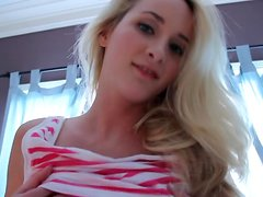 Blonde bombshell Jenna Reese undresses and poses for the cam