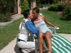 He goes down on classy hottie outdoors