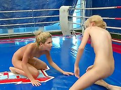 Check up this catfight between two