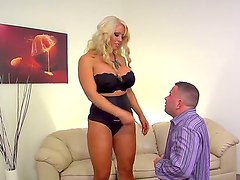 Business lady with curvaceous figure Alura Jenson and her dominated worker Jeremy Conway