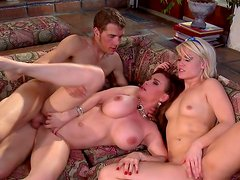 Ash Hollywood and Diamond Foxxx is sucking cock