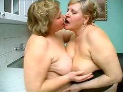 Fat matures kissing and fingering pussy