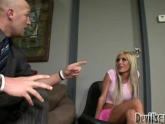 Blonde ladyboy Kimber James gets her asshole unforgettably fucked