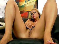 Delicious chick Candy Alexa with big