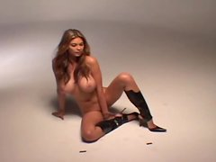 Stunning Tera Patrick poses for the camera in high boots