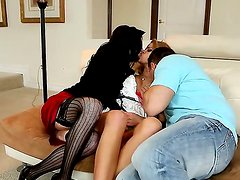 Amazing threesome action with Jessa Rhodes, John Strong and Veronica Avluv