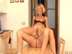 Blond mature hun gets drilled deep in the kitchen