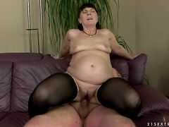 Margo T. sucks and deepthroats a cock before taking it in her old snatch